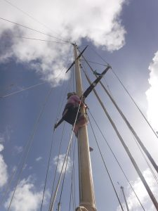 16-7-31 verstaging ronald in mast